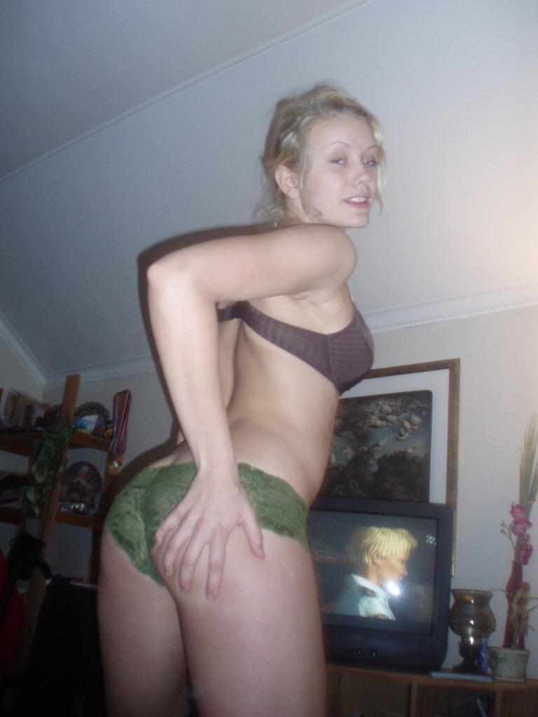 fria porrfilmer sexiga kvinnor i underkläder